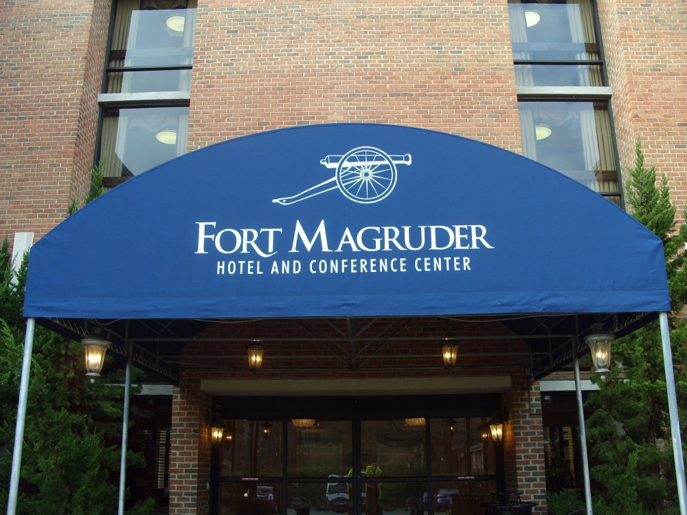Sleep with the ghosts of Williamsburg: Haunted Fort Magruder Hotel Entrance
