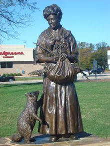 A statue in honor of Grace was unveiled on April 21, 2007.