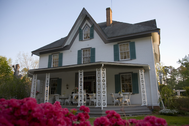 Today, Edgewood Plantation is a charming little bed and breakfast.